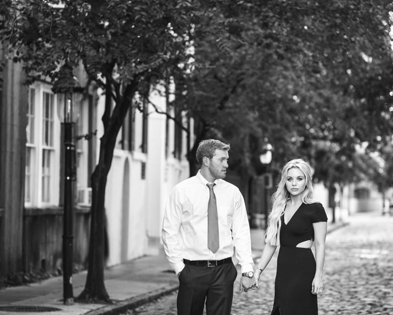 cobblestone engagement photos
